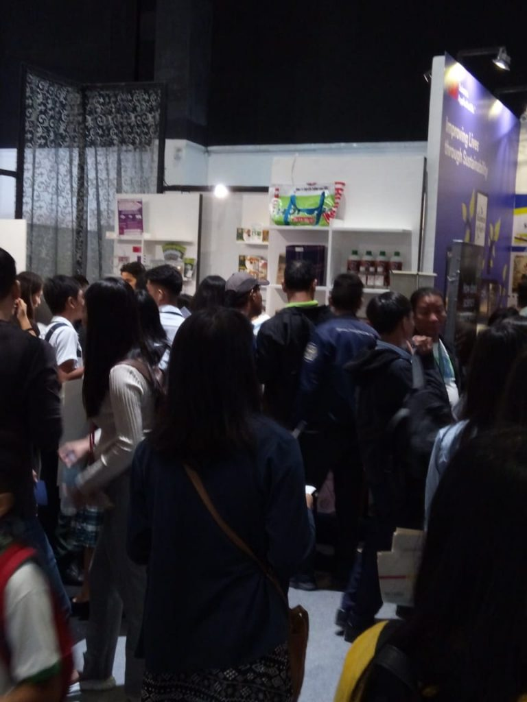 The crowd visiting our international booth